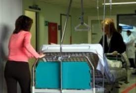 Αποκλειστικές νοσοκόμες με πλαστά πτυχία, ψεύτικες άδειες. Θα μπει ένα τέλος σε αυτά με τις νέες διατάξεις;