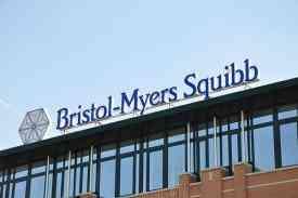 Η Ευρωπαϊκή Επιτροπή εγκρίνει το nivolumab της Bristol-Myers Squibb, τον πρώτο και μοναδικό αναστολέα της πρωτεΐνης PD-1 για τη θεραπεία  προχωρημένου μελανώματος