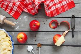 Χρησιμοποιείστε τις φλούδες των μήλων: 5 έξυπνες ιδέες!