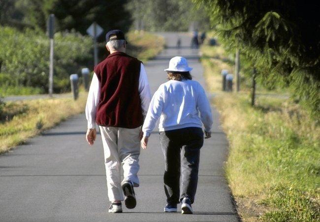 old-people-walking.jpg