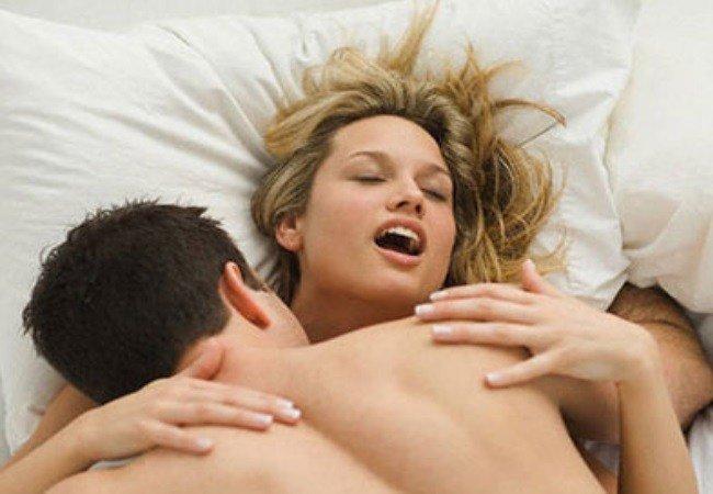 γυναικείος οργασμός, ενώ κώλο γαμήσι