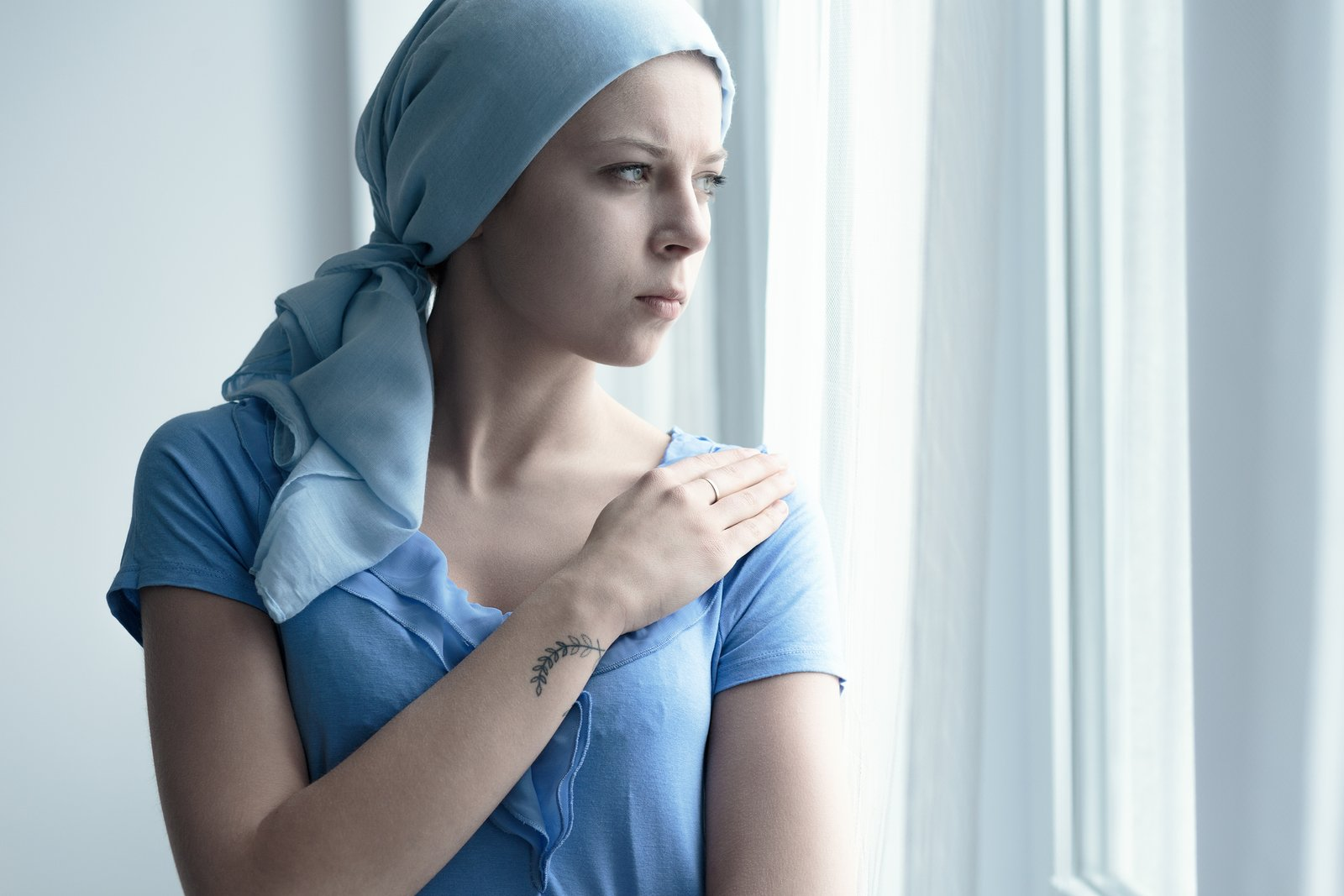 Παρθένος άντρας που βγαίνει με μια γυναίκα με καρκίνο
