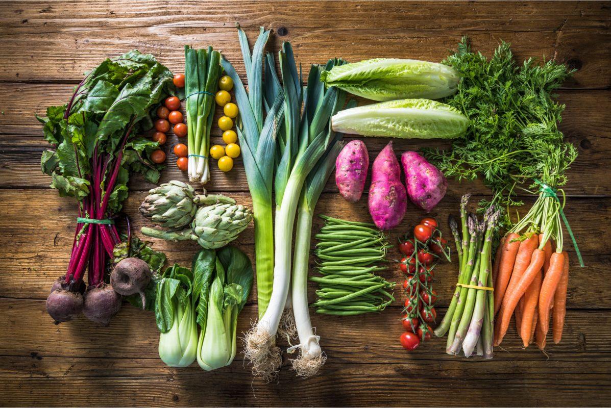 Διατροφή: Οι 18 τροφές που πρέπει να αποφεύγετε μετά τα 60