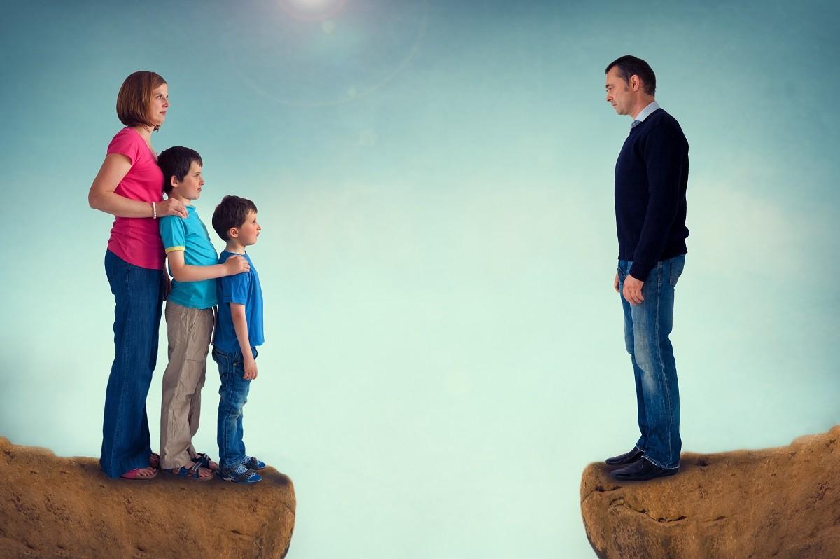 οικογένεια μετά το διαζύγιο