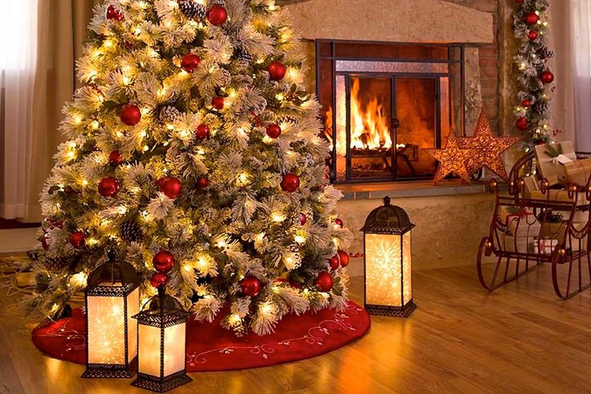 Τι πρέπει να προσέχουμε στα λαμπάκια του δέντρου τα Χριστούγεννα